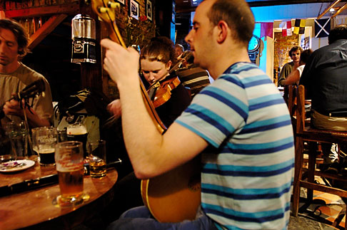 image 4-900-1329 Ireland, County Cork, Kinsale, Traditional Music, The Bulman Bar and restaurant
