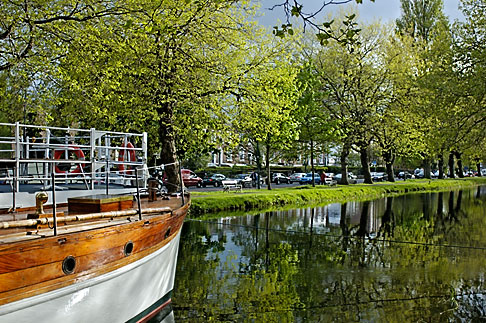 image 4-900-26 Ireland, Dublin, Grand Canal