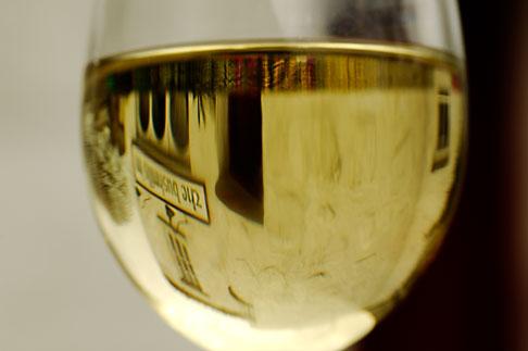 image 4-900-580 Ireland, County Antrim, Bushmills Inn, Glass of white wine
