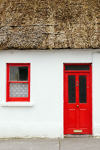 image 4-900-893 Ireland, County Galway, Ardrahan, Thatched cottage