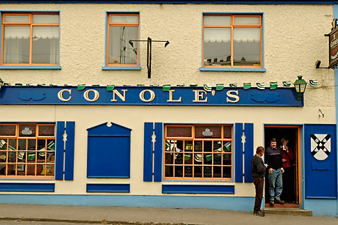 image 4-900-914 Ireland, County Galway, Kinvara pub