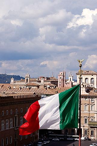 image S4-500-3729 Italy, Rome, Flag of Italy