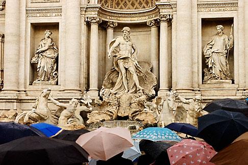 image S4-501-4220 Italy, Rome, Umbrellas, Trevi Fountain