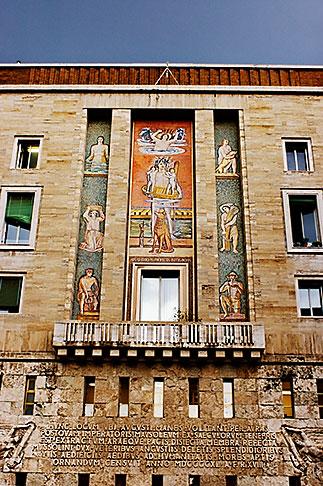 image S4-501-4627 Italy, Rome, Piazza Augusto Imperatore