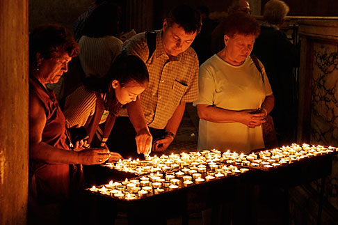 image S4-502-5031 Italy, Rome, Candles, Santa Maria in Cosmedin