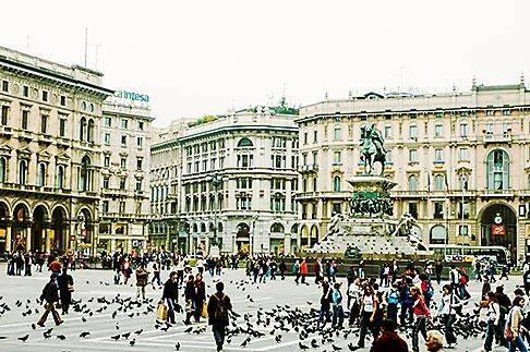 image S4-510-6685 Italy, Milan, Piazza Del Duomo