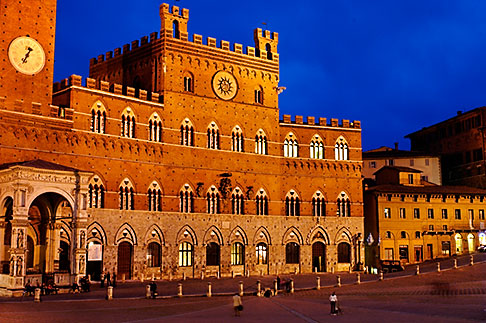 image S4-520-7801 Italy, Siena, Palazzo Publico, Il Campo