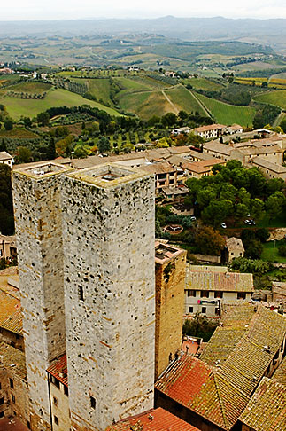 image S4-528-8876 Italy, San Gimignano, City view from Tower