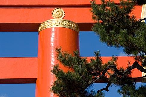 image 5-855-2573 Japan, Kyoto, Heian Shrine, Torii gate
