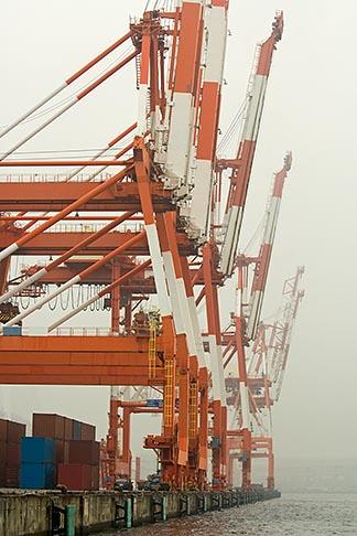 image 7-675-3624 Japan, Yokohama, Container cranes, Port of Yokohama