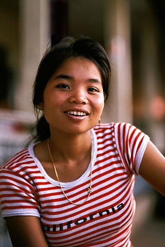 image 8-560-19 Laos, Phon Hong Hospital, Nurse