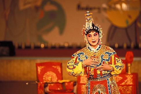 image 2-701-68 South Korea, Andong , Mask Dance Festival, Chinese Monam mask dance