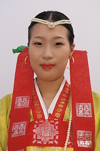 image 2-701-77 South Korea, Andong , Mask Dance Festival, Girl in traditional dress