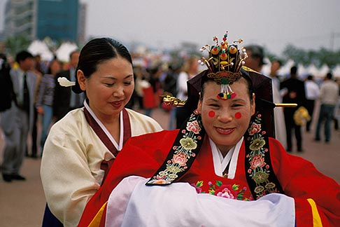 image 2-701-87 South Korea, Andong , Mask Dance Festival, Woman in traditional dress