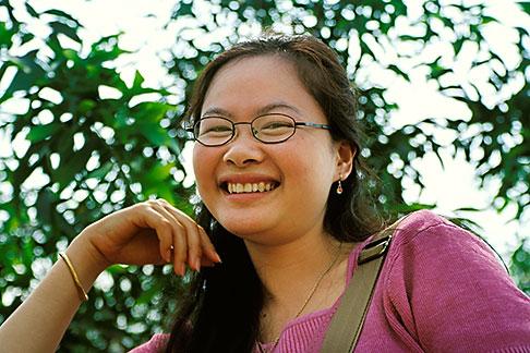 image S3-152-12 Laos, Phon Kham, Young woman
