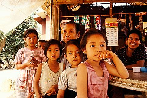 image S3-152-20 Laos, Phon Kham, Villagers