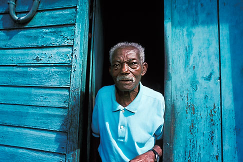 image 9-71-12 Martinique, Saint Pierre, Old man