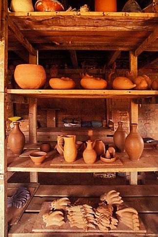 image 9-81-15 Martinique, Trois Islets, La Poterie
