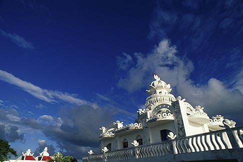 image 9-200-98 Mauritius, Hindu temple, Poste de Flacq