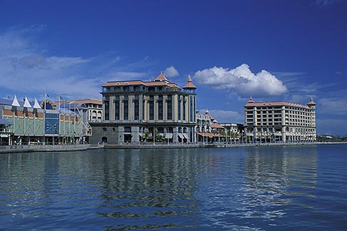 image 9-210-88 Mauritius, Port Louis, Le Caudan Waterfront