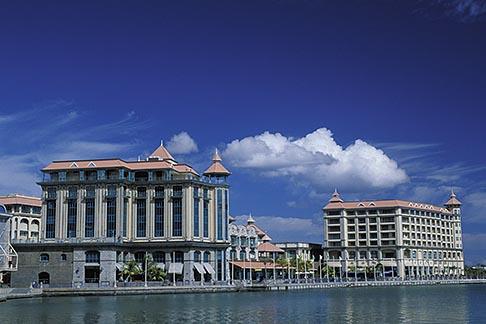 image 9-210-91 Mauritius, Port Louis, Le Caudan Waterfront