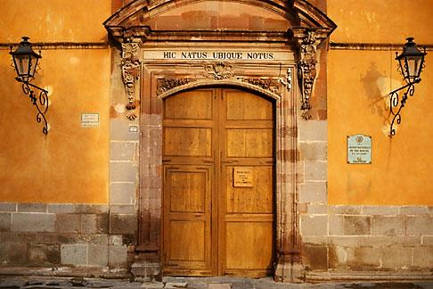 image 4-272-25 Mexico, San Miguel de Allende, Casa de Allende, Birthplace of Ignacio Allende