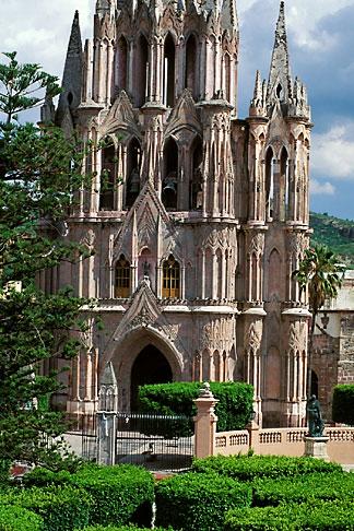 image 4-279-22 Mexico, San Miguel de Allende, La Parroquia de San Miguel