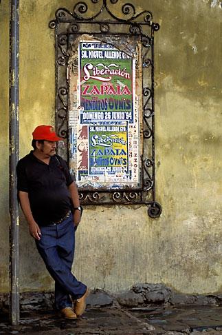 image 4-293-1 Mexico, San Miguel de Allende, Man waiting
