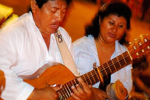 image 4-850-3423 Mexico, Playa del Carmen, Mariachi music
