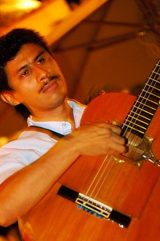 image 4-850-3435 Mexico, Playa del Carmen, Mariachi music