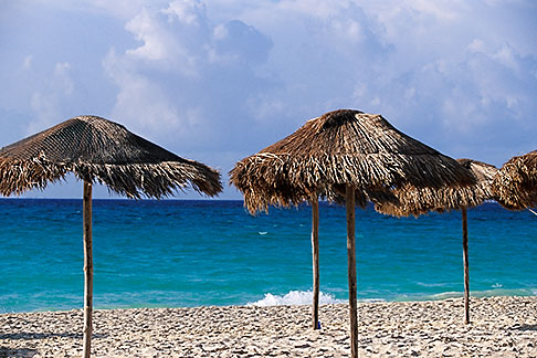 image 4-873-32 Mexico, Playa del Carmena, Palapas