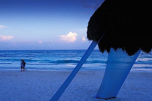 image 4-886-1 Mexico, Riviera Maya, Xpu Ha Beach, Al Cielo, Palapa