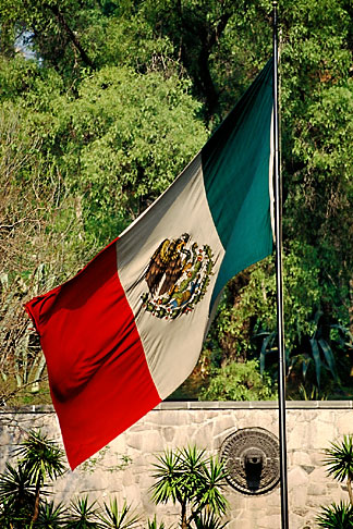 image 5-25-33 Mexico, Mexico City, Mexican flag, Tepeyac