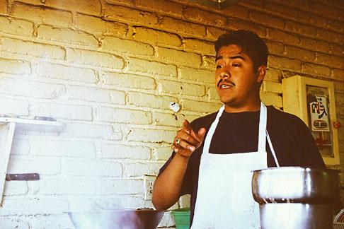 image S4-235-11 Mexico, Tijuana, Tacos El Rey