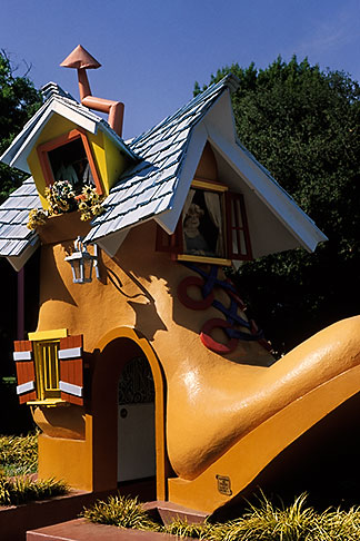 image 4-729-68 California, Oakland, Childrens Fairyland, Shoe Entrance