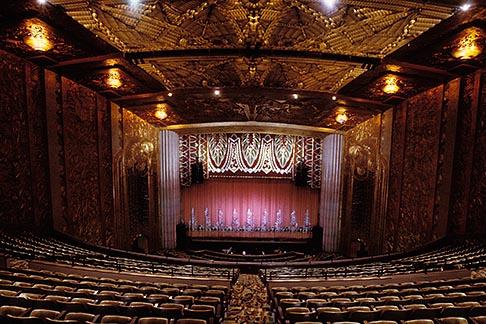 image 4-730-10 California, Oakland, Paramount Theatre, Auditorium