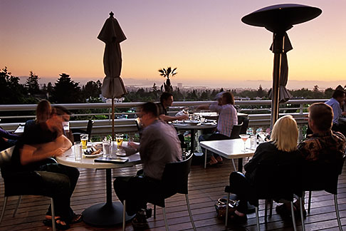 image 4-730-98 California, Oakland, Claremont Resort and Spa, Paragon Bar and Cafe