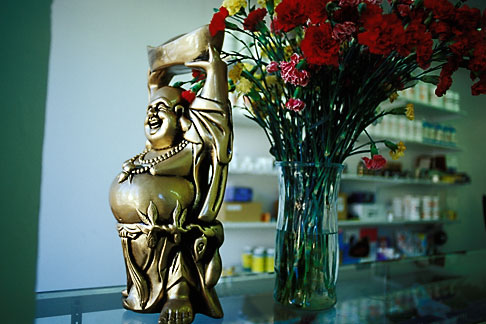 image 9-441-35 Buddha statue in shop