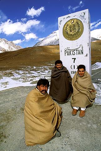 image 4-443-12 Pakistan, Karakoram Highway, Khunjerab Pass on the border with China