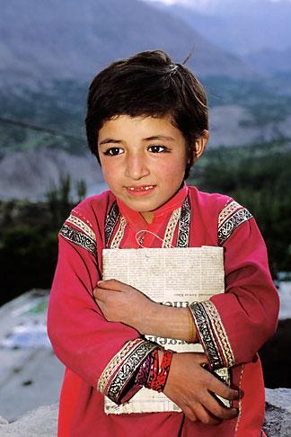 image 4-452-17 Pakistan, Hunza, Karimabad, Young girl