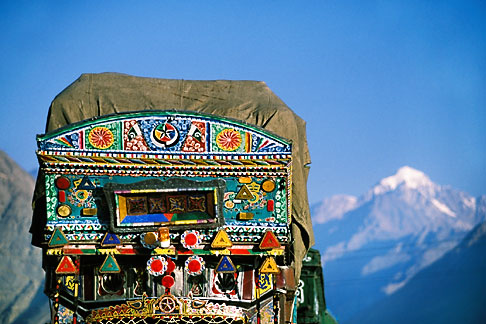 image 4-461-21 Pakistan, Decorated truck,