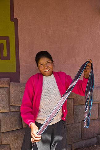 image 8-760-1978 Peru, Pisac, Quechua woman with handicrafts
