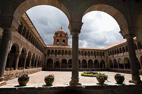 image 8-761-775 Peru, Cuzco, Convent of Santo Domingo