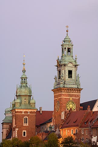 image 7-730-8318 Poland, Krakow, Wawel, Cathedral and Royal Castle, at dusk
