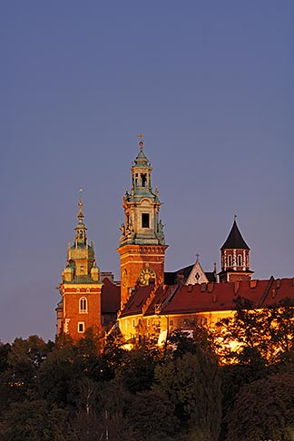 image 7-730-8331 Poland, Krakow, Wawel, Cathedral and Royal Castle, at night