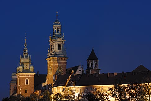 image 7-730-8346 Poland, Krakow, Wawel, Cathedral and Royal Castle, at night