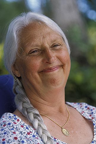 image 3-496-22 Portraits, Woman with silver hair
