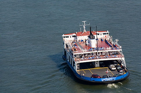 image 5-750-330 Canada, Quebec City, Ferry across the St Lawrence River