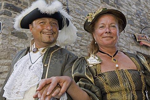image 5-750-8133 Canada, Quebec City, Fetes de la Nouvelle France, Couple