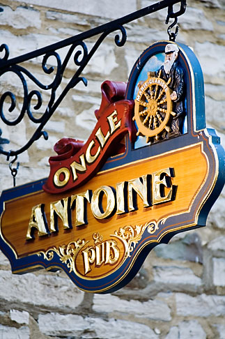 image 5-750-8171 Canada, Quebec City, Restaurant Sign